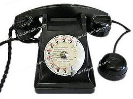 Vieux téléphone en bakélite U43